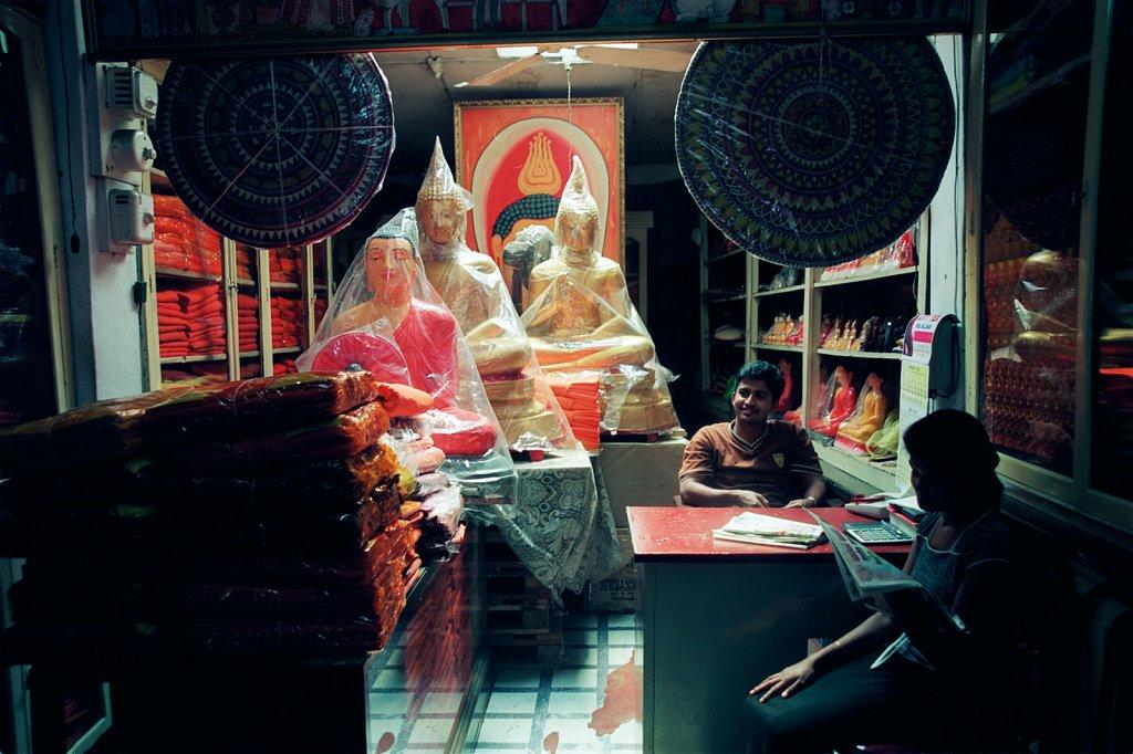 Buddha-shop-Sri-Lanka